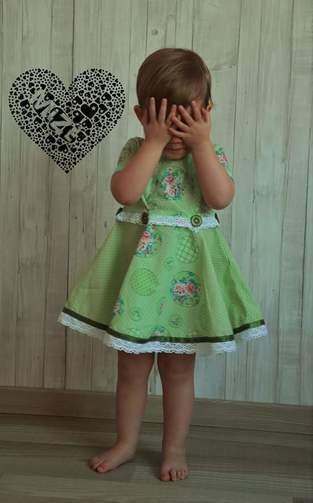 Makerist - Anninanni Kleid Mädchen für meine Tochter <3 aus Webware und Spitze - 1