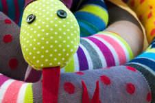 Makerist - Mr. Kuschelsnake aus bunten Socken für kleine Rabauken - 1